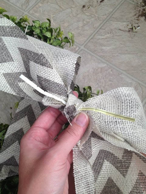 15 Minute, 15 Dollar Wreath - Burlap Bow Instructions