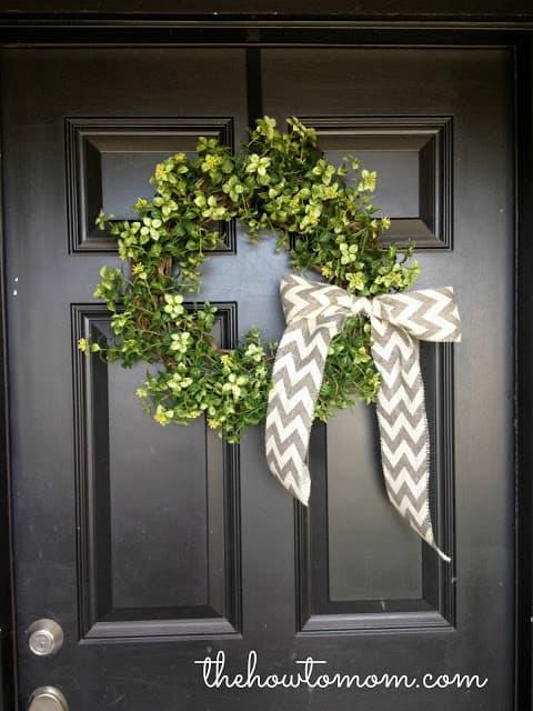 15 Minute, 15 Dollar Wreath - Easy Farmhouse-Style Garland Wreath