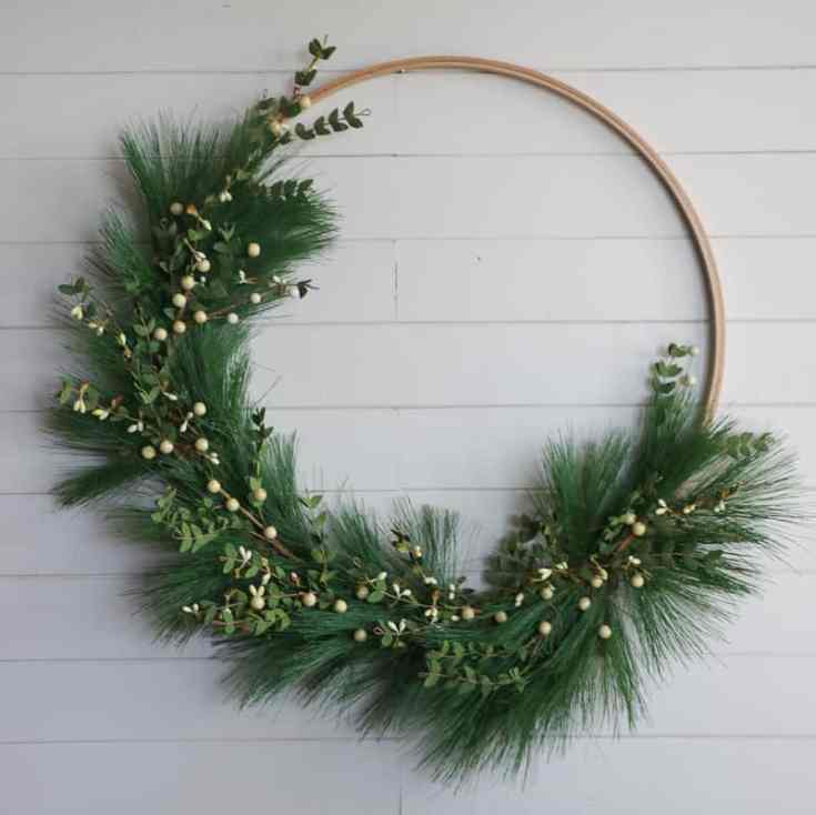 DIY Hoop Christmas Wreath