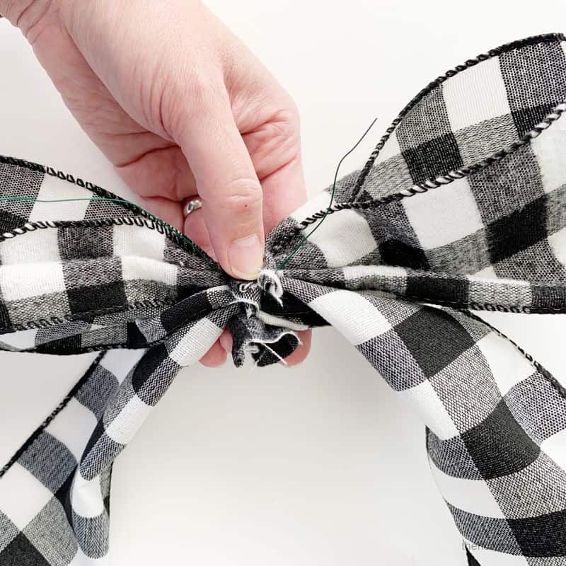 back of wreath bow