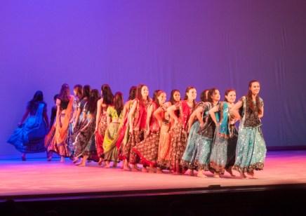 MICHELLE XU/THE HOYA Students perform Garba Pulse.