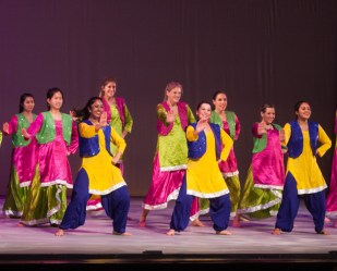MICHELLE XU/THE HOYA Seniors participated in Senior Bhangra, the final performance of the night.