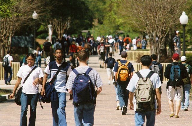 studentswalking
