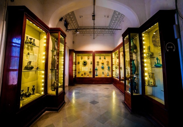 A view of the Pottery Gallery at Albert Hall, Jaipur