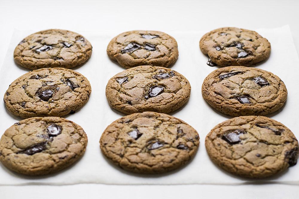 μαλακά μπισκότα σοκολάτας με ταχίνι και ελαιόλαδο 4