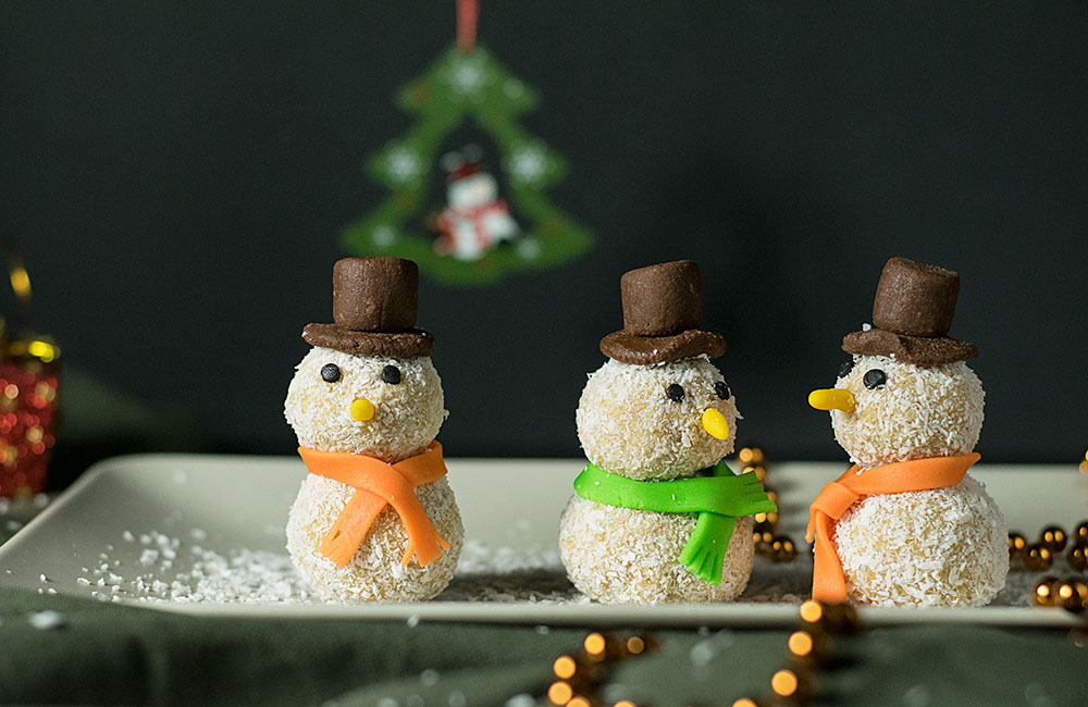 xmas-white-chocolate-truffle-snowmen-2