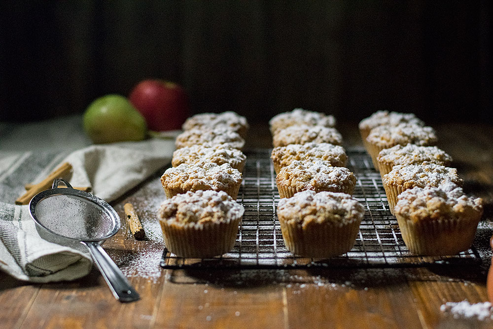 White chocolate and apple crumble muffins 3