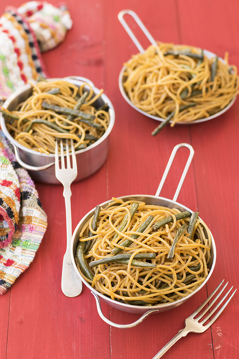 Mediterrasian spaghetti or noodles with Chinese long beans 3