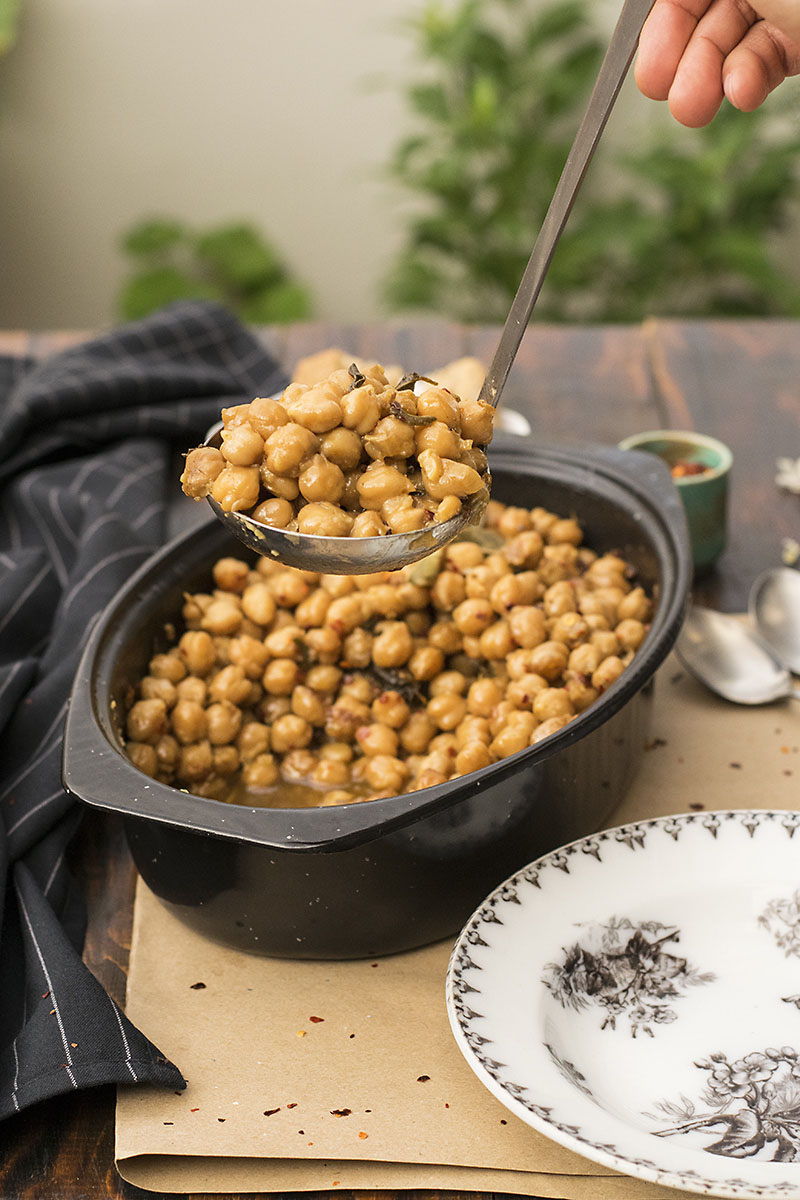 Greek traditional baked chickpeas (Revithada) 4