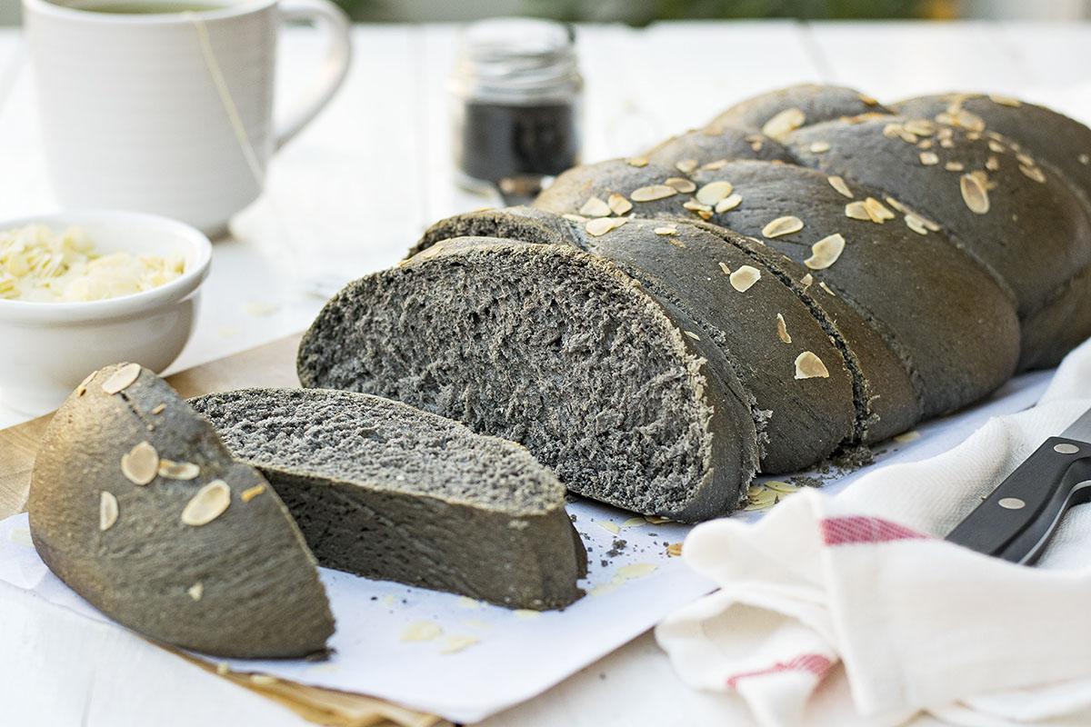 Black Detox Vegan Challah Bread with olive oil 3
