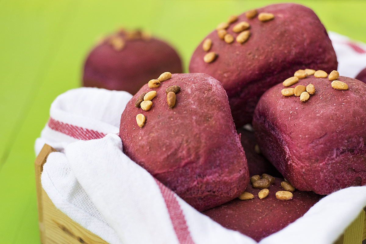 Beet, basil, and olive oil mini bread loaves 6