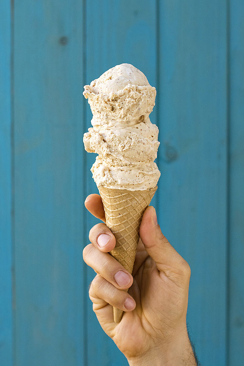 Roasted almond & white chocolate no-churn ice cream 2