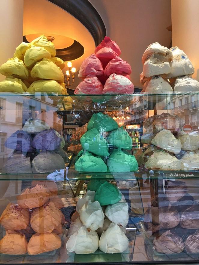 BERTRAND'S Big ass meringues