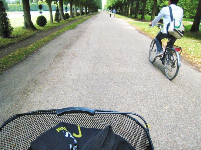 Rent a bike to explore the gardens