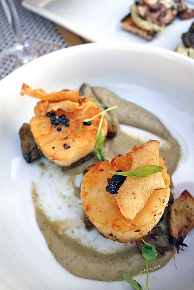 Sea Scallops- sunchoke puree, ossetra caviar. A delightful appetizer for a scallop lover.