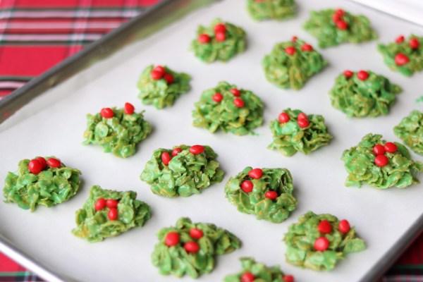 Marshmallow Holiday wreath treats
