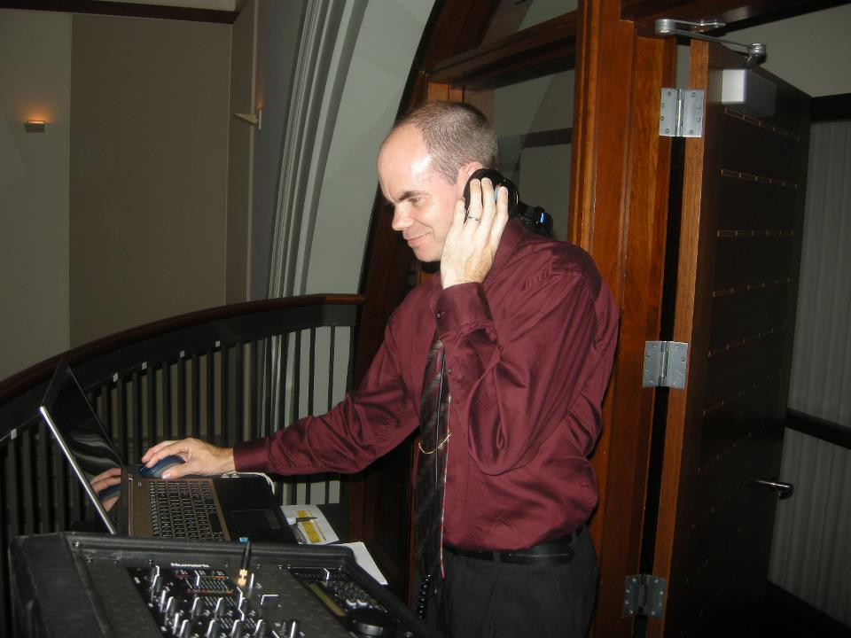 DJ Ken of North Shore Entertainment gets the party jumping!