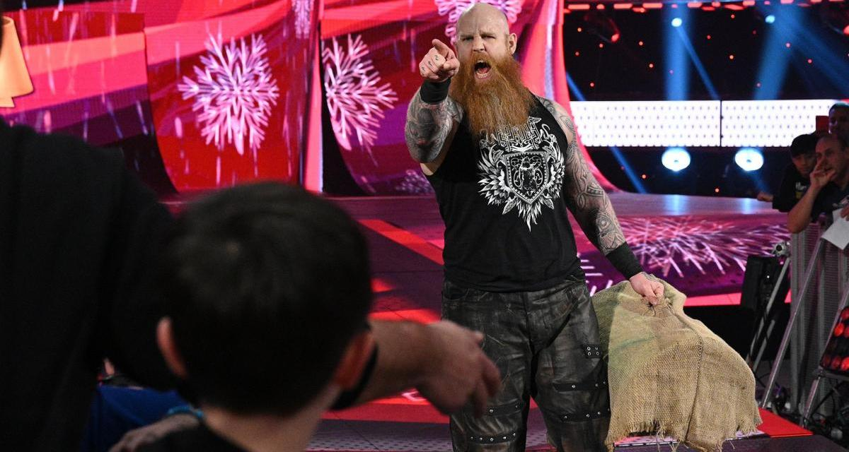 Have Erick Rowan's Mysterious Cage Contents Been Finally Uncovered?