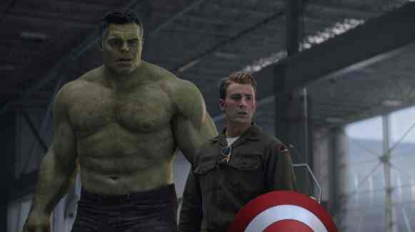 avengers endgame - hulk and captain america