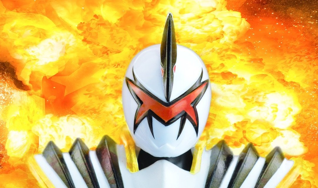 The Lightning Collection's White Dino Thunder Ranger Helmet Repaint Is A Significant Improvement Over The Original