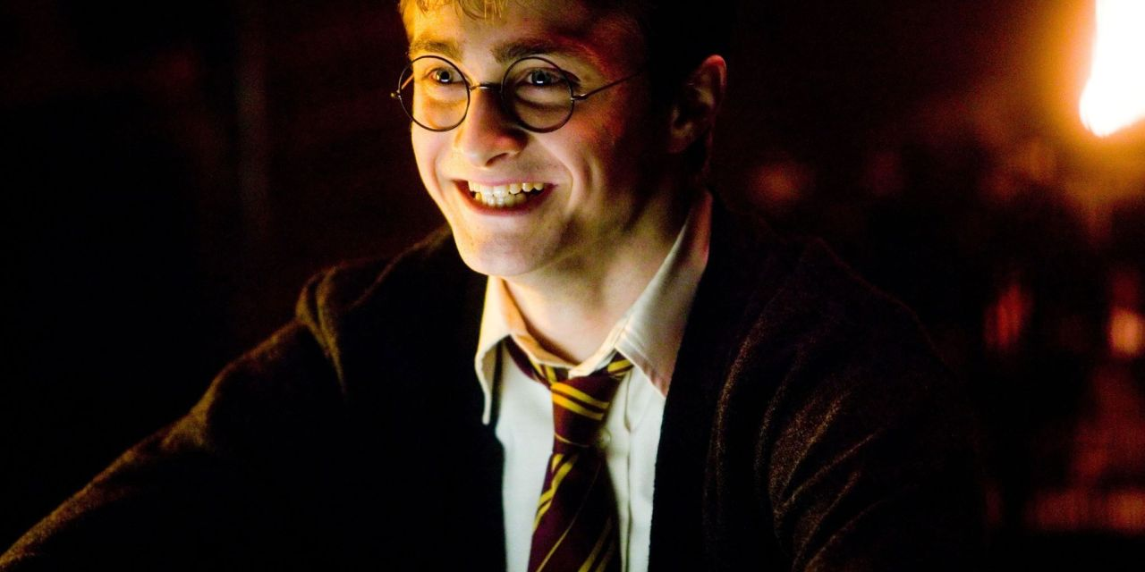 Daniel Radcliffe Tells Fun Harry Potter Stories On Hit Youtube Series Hot Ones