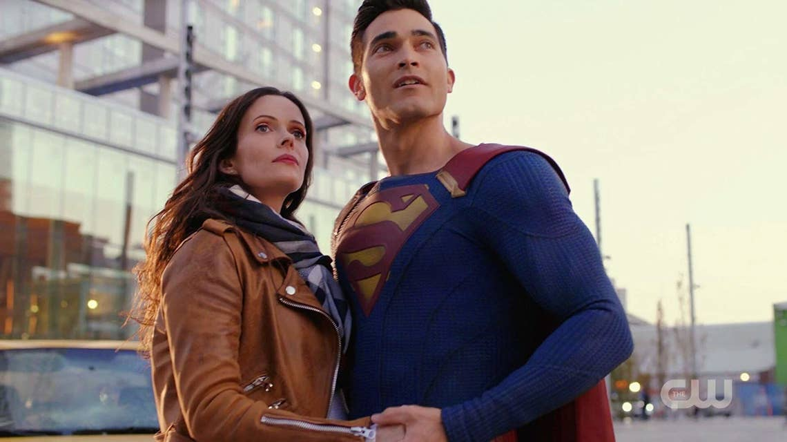 New Superman & Lois Poster Show Off The Adorable Couple's Casual Look