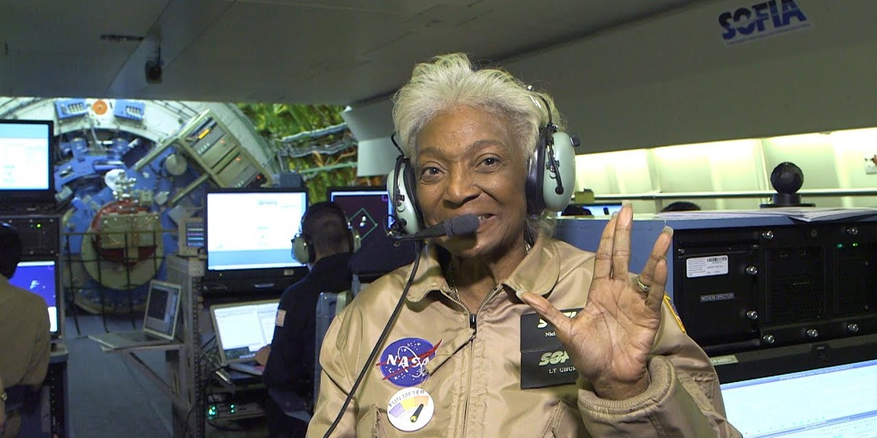 """Woman In Motion Director Swoons Over Star Trek's Nichelle Nichols' Unwordly Achievements And """"Regal"""" Presence"""