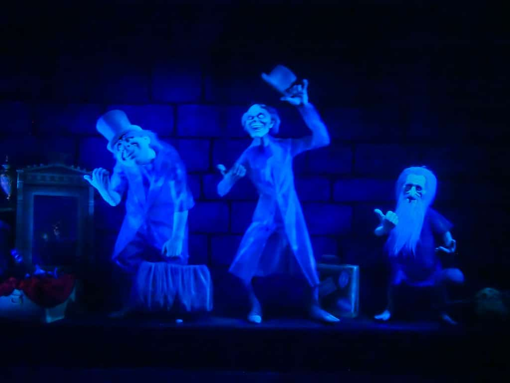 haunted-mansion-hitchhiking-ghosts