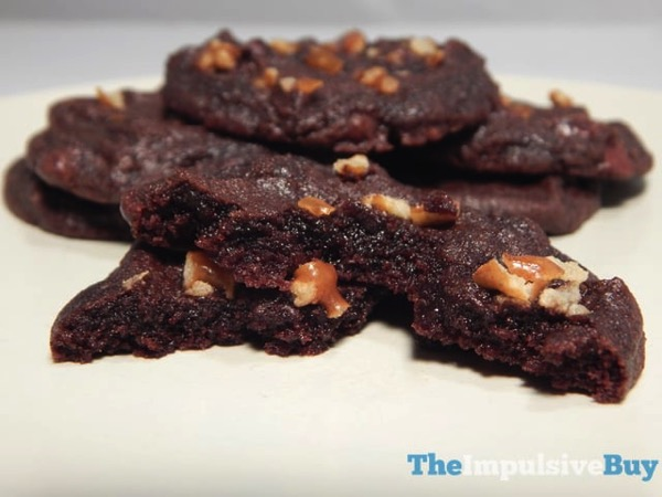 Nestle Toll House Cookie of the Year Chocolate Fudge Pretzel 4