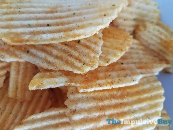 Ruffles Mozzarella  N Marinara Potato Chips 3