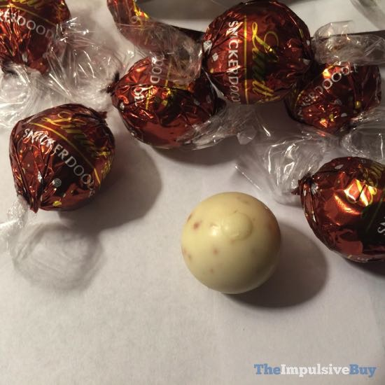 Lindt Limited Edition Snickerdoodle White Chocolate Truffles 2