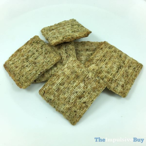 Triscuit Woven with Poppy Seeds Garlic  Onion Closeup