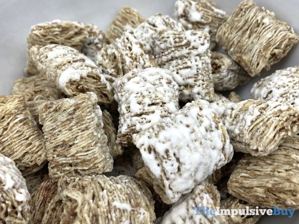 Kellogg s Frosted Mini Wheats Cinnamon Roll Cereal Frosting