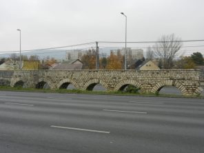 All that's left of the aqueduct.