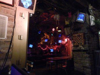 Ruin bar 3