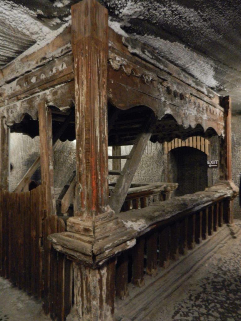 Terezia cavern, Romania