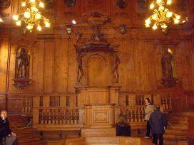 Anatomical_theatre_of_the_Archiginnasio,_Bologna,_Italy