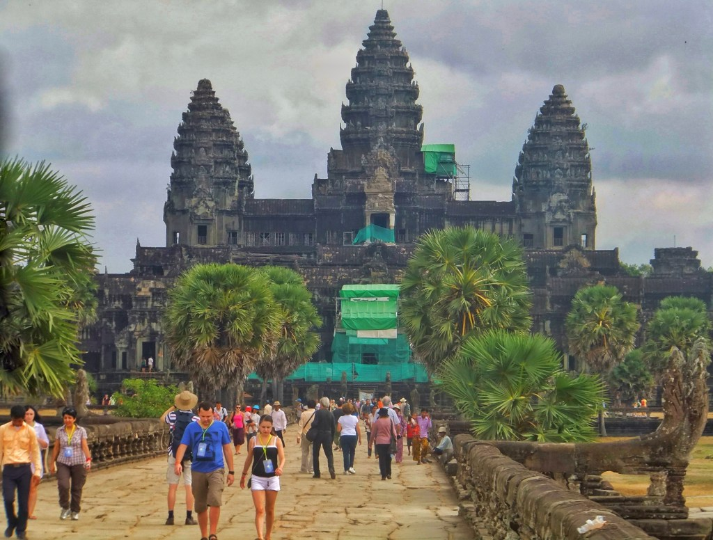 How to Tour Angkor Wat