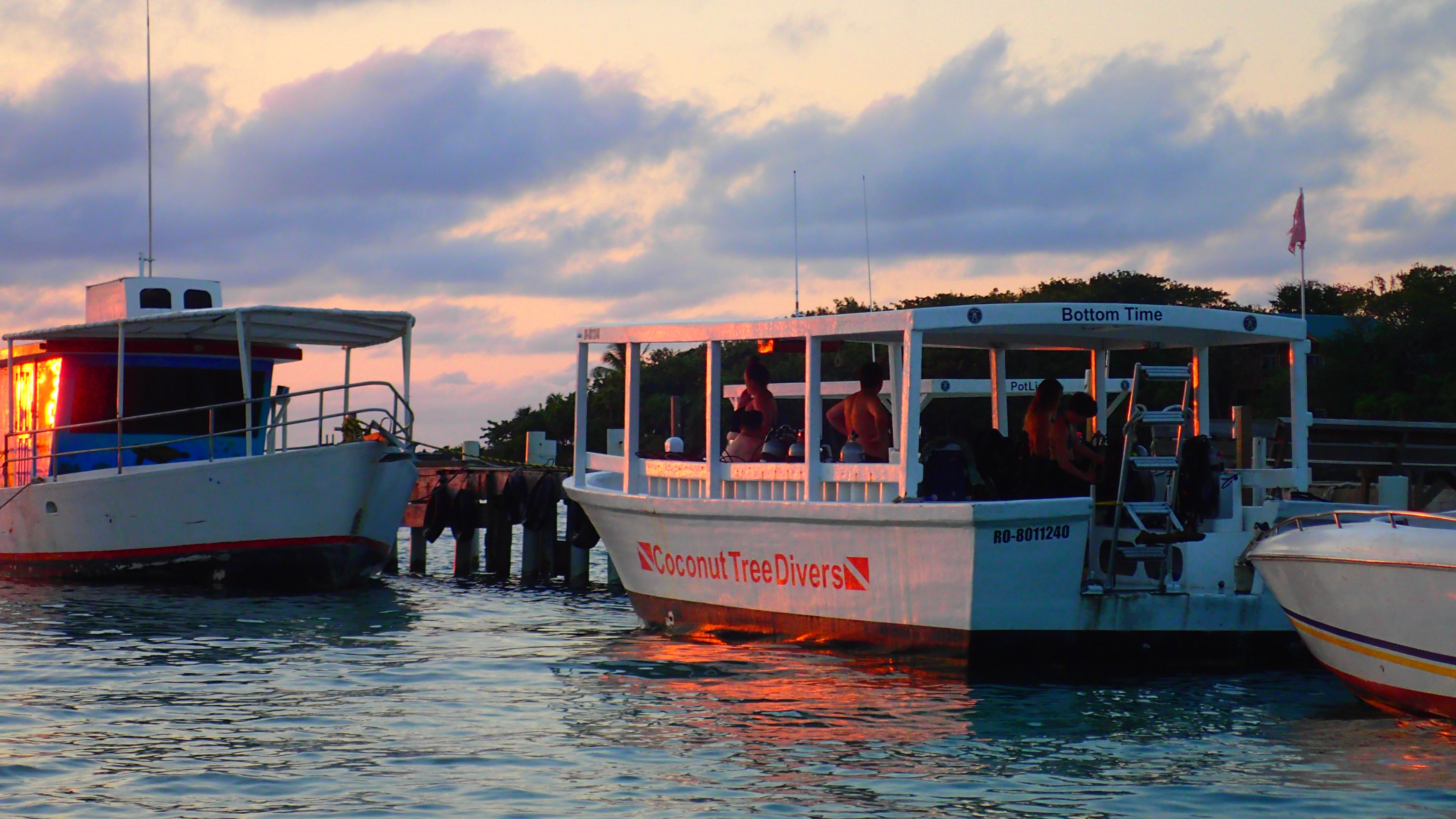 Places To Go In Roatan