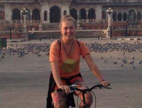 à bicyclette devant le Albert hall