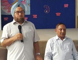 Dr.R.Kumar