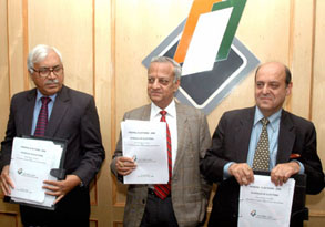 The Chief Election Commissioner, Shri N. Gopalaswami announcing the schedule for the Lok Sabha polls, at a Press Conference, in New Delhi on March 02, 2009. The Election Commissioners, Shri Navin B. Chawla and Dr. S.Y Qureshi are also seen.