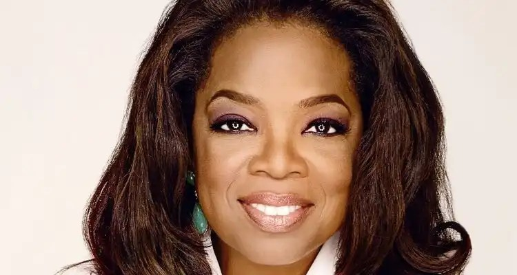 Holland America Line Bestows Award to Oprah Winfrey