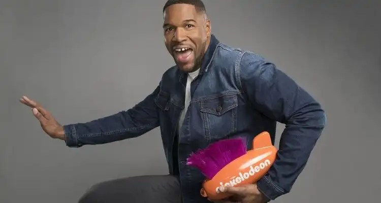 Michael Strahan Set to Host Nickelodeon's Kids' Choice Sports 2019