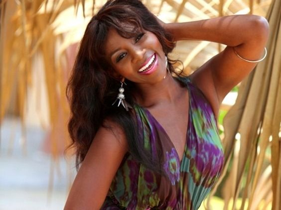 genevieve's net worth, biography house and cars