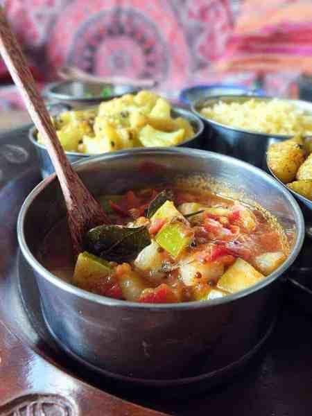 kheera-cucumber-and-tomato-curry