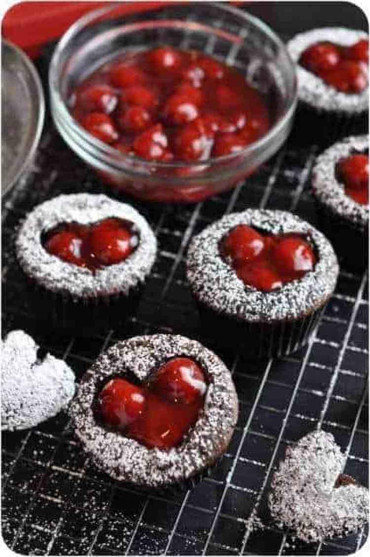 Chocolate-Cherry-Cupcakes