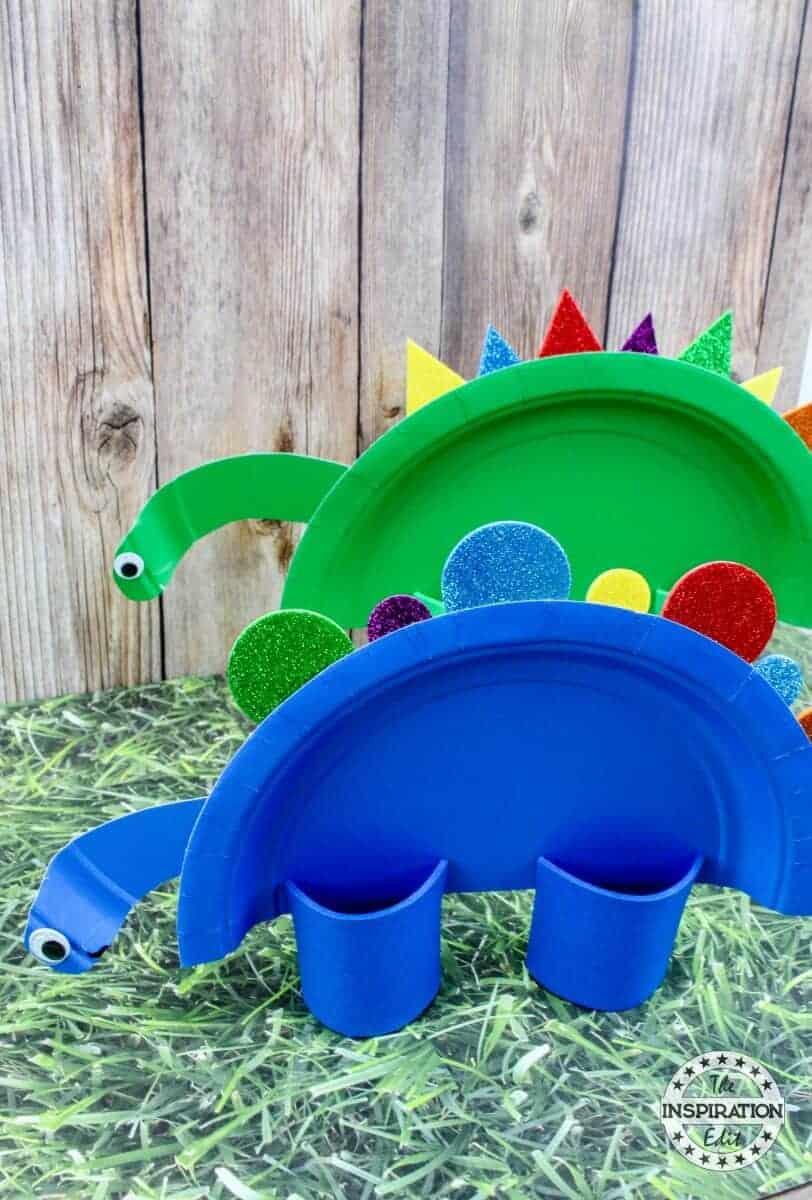 Super Cute Dinosaur Paper Plate Craft