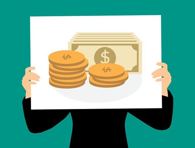 Do Looks Matter in Making Money? (Infographic)