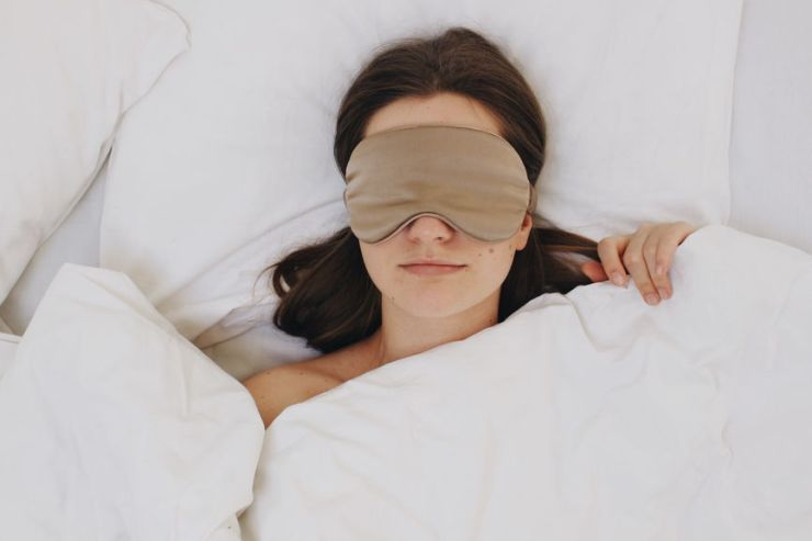 How to Improve Sleep Habits for Better Work Performance